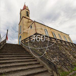 fotografía de la Iglesia de Puerto Octay con un ícono de 360 sobre ella que invita al recorrido virtual patrimonial
